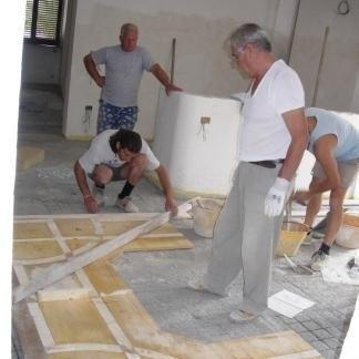 La ditta si avvale di esperti nella posa di pavimenti.