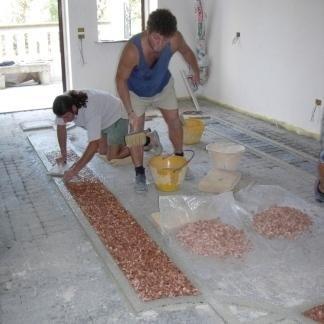lavorazione per pavimenti, decori con breccia pernice, materiali di qualità per pavimenti