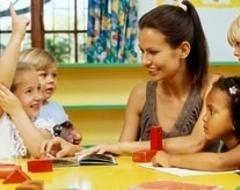 lezione alla scuola materna