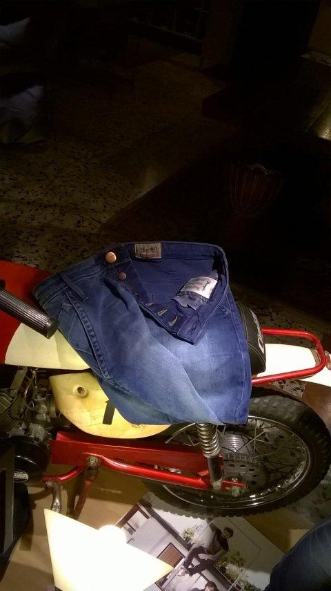 Jeans wrangler piegati