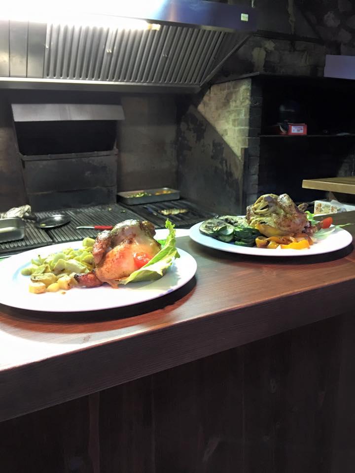 due piatti a base di pollo e verdure