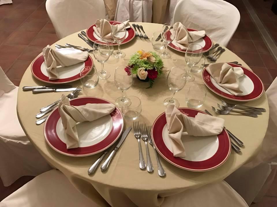 La locanda di Mimí - tavolo apparecchiato a Caserta