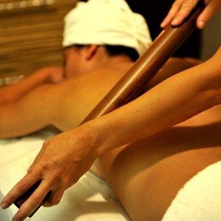 Massaggio antistress bambù