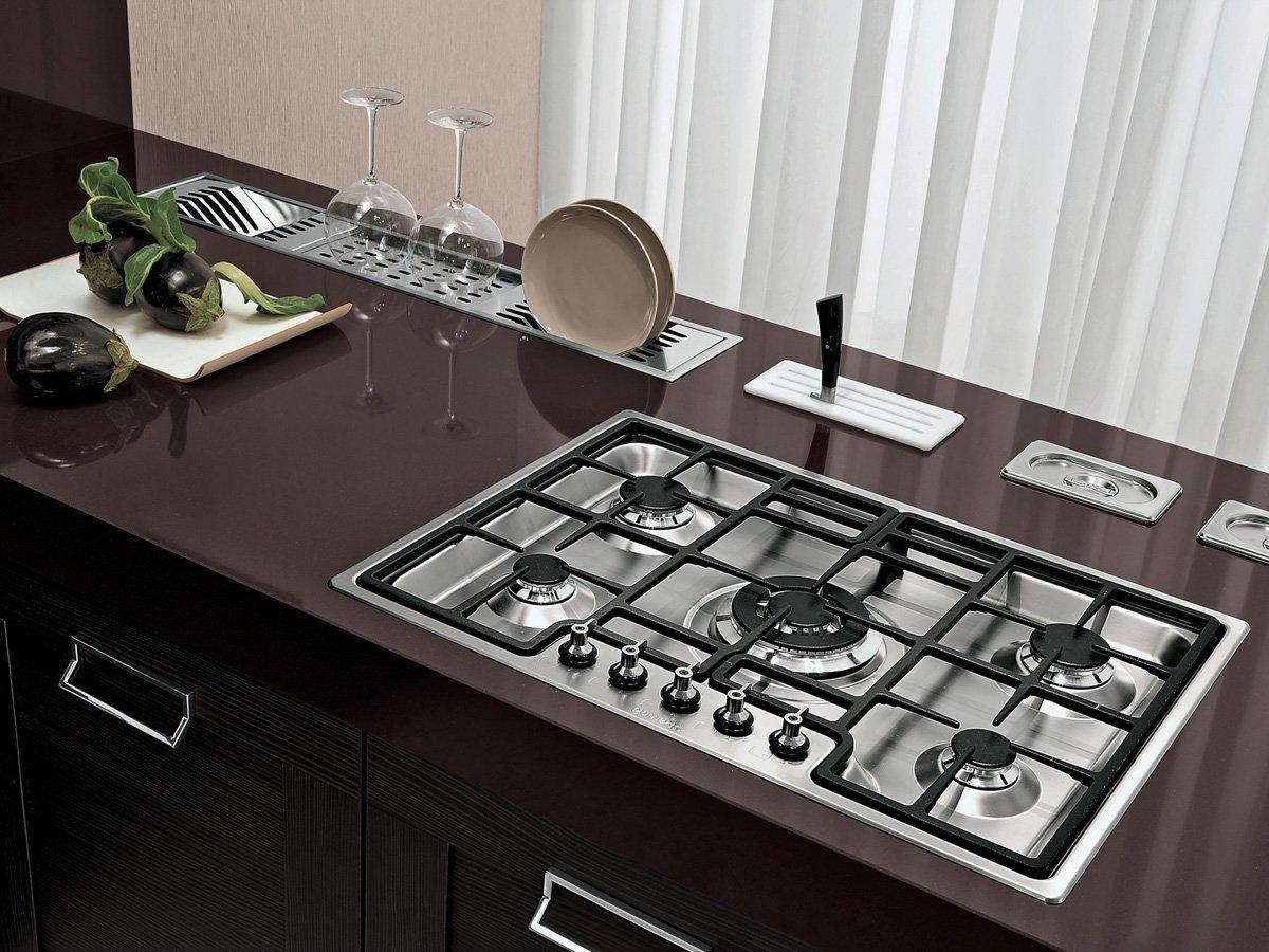 cucina con fornelli