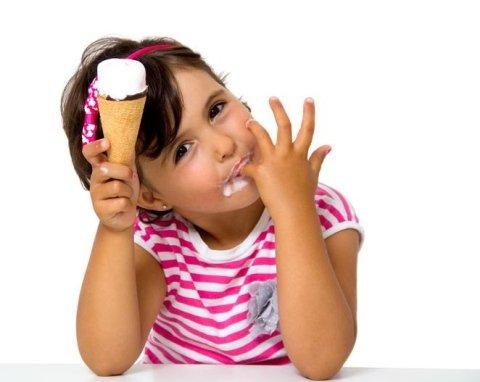 gelati con frutta fresca di stagione