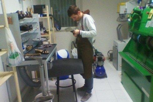 Panoramica laboratorio calzature calzolaio cecina
