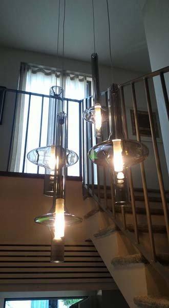 lampade attaccate al soffitto