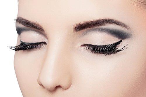 Eye and eyebrow makeup tint
