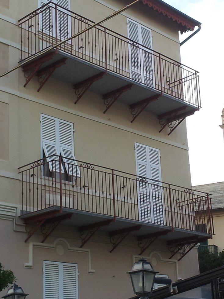 balconi a Varazze