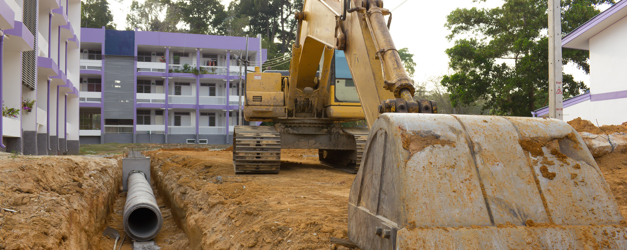 Heavy machine at the site to complete the work