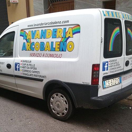 Furgone della Lavanderia Arcobaleno a Casteldaccia