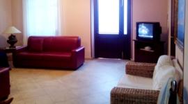 sala con televisione