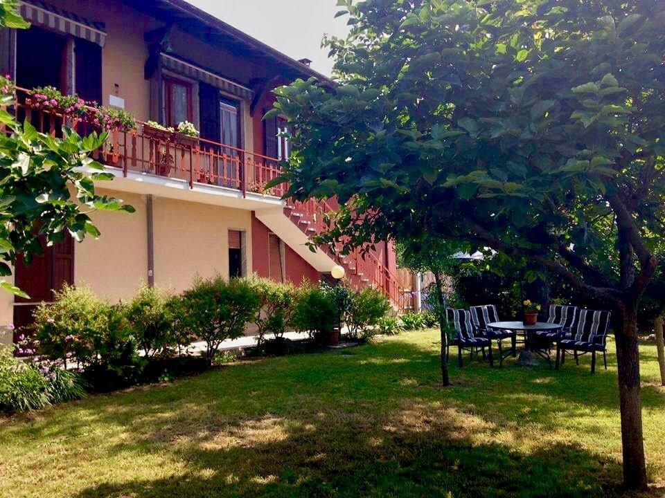 giardino della casa famiglia a massa