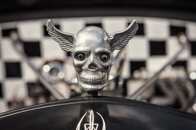 rat rod skull hood ornament