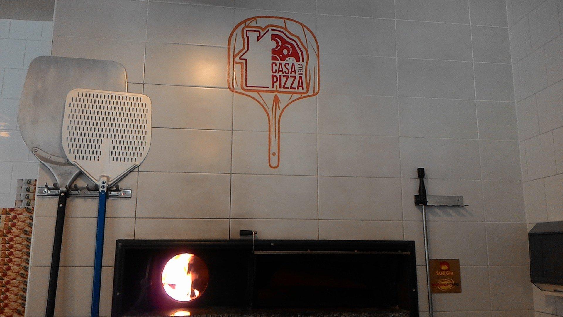 Logo del ristorante sul forno