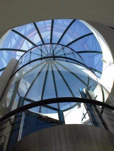una vetrata stile cupola