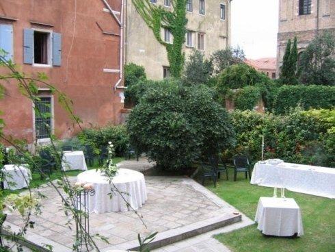 giardino del palazzo storico