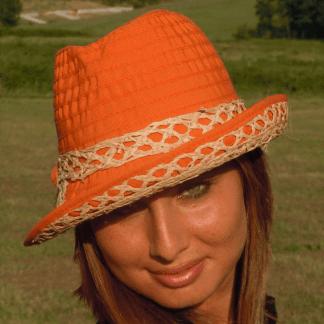 Cappelli in grosgrain e rafia