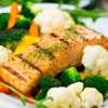 Salmone e verdure miste