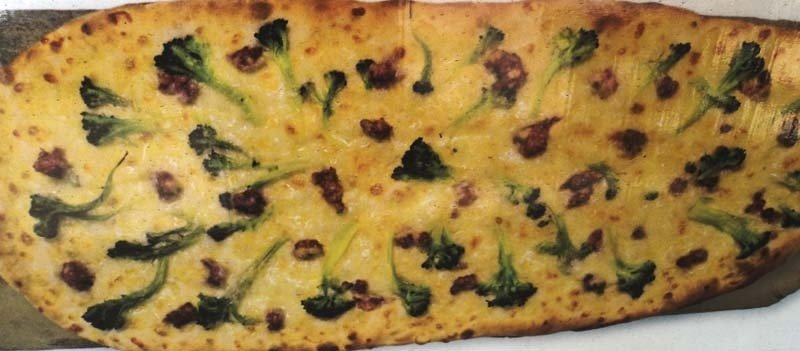 Pizza brocoletti e salsiccia