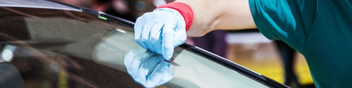 nomak windscreens and autoglass windscreen fixing