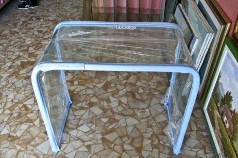 Tavolino imballato per il trasporto