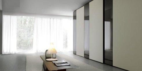 armadio anta legno vetro