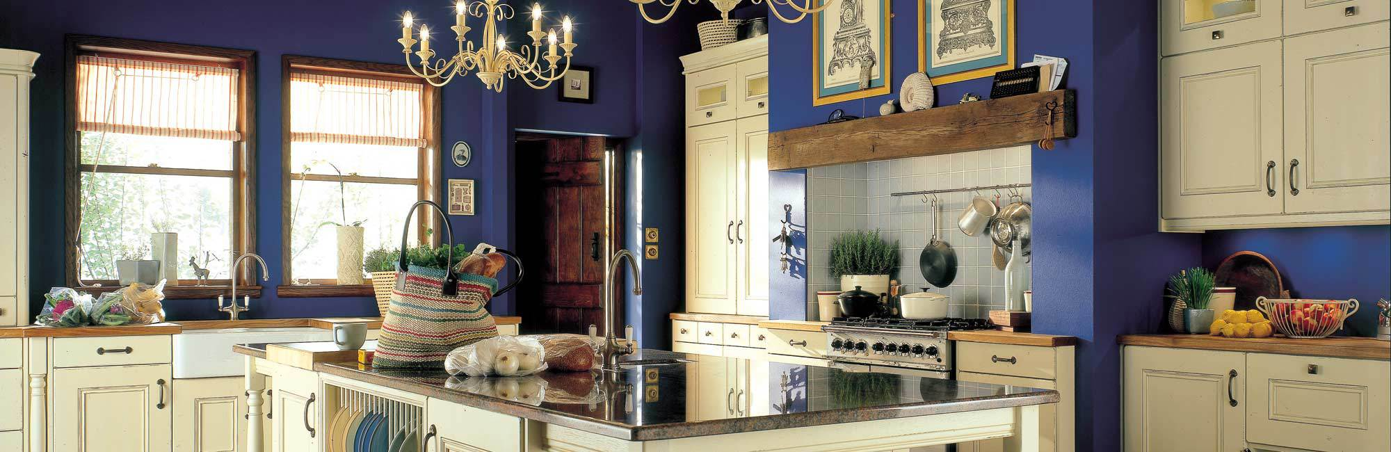 Traditional roya blue and cream kitchen