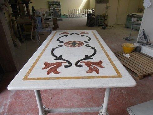 lavorazione tavoli in marmo