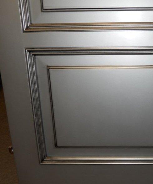 Riflessi argento su porta