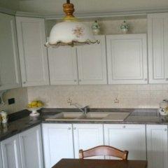 Cucina in legno laccata con colore diverso