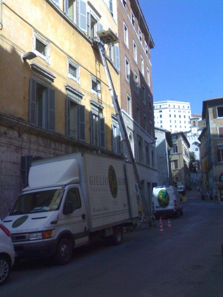 Giulio Bigonzoni Traslochi & Trasporti - Traslochi per privati al piano