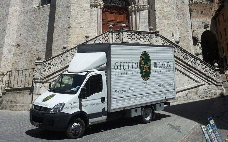 Giulio Bigonzoni Traslochi & Trasporti - Traslochi dentro al centro storico