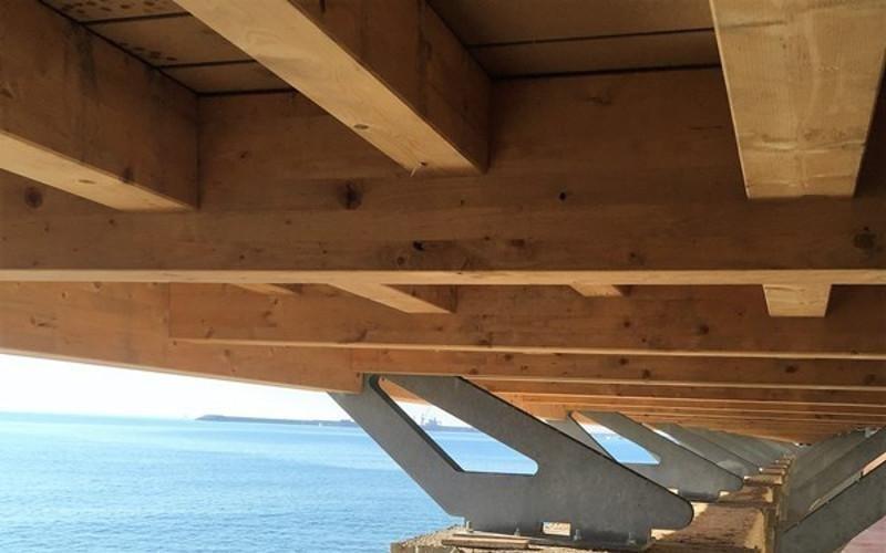 base in legno