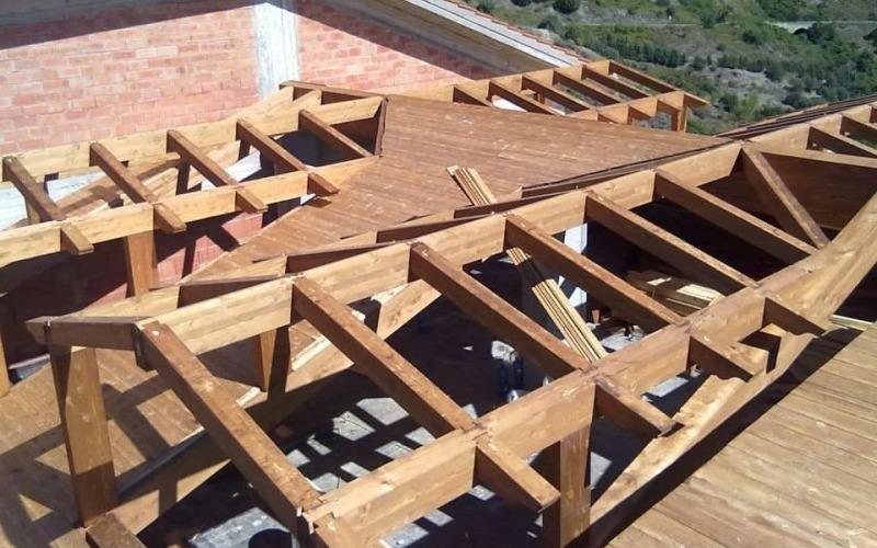 struttura tetto in legno