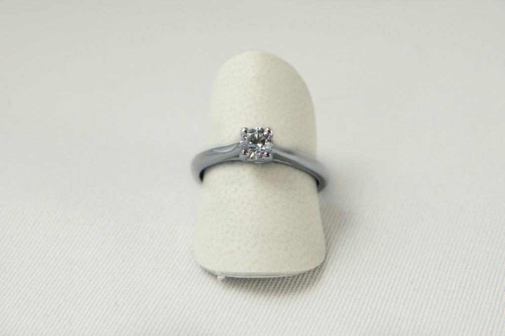 anello brillante