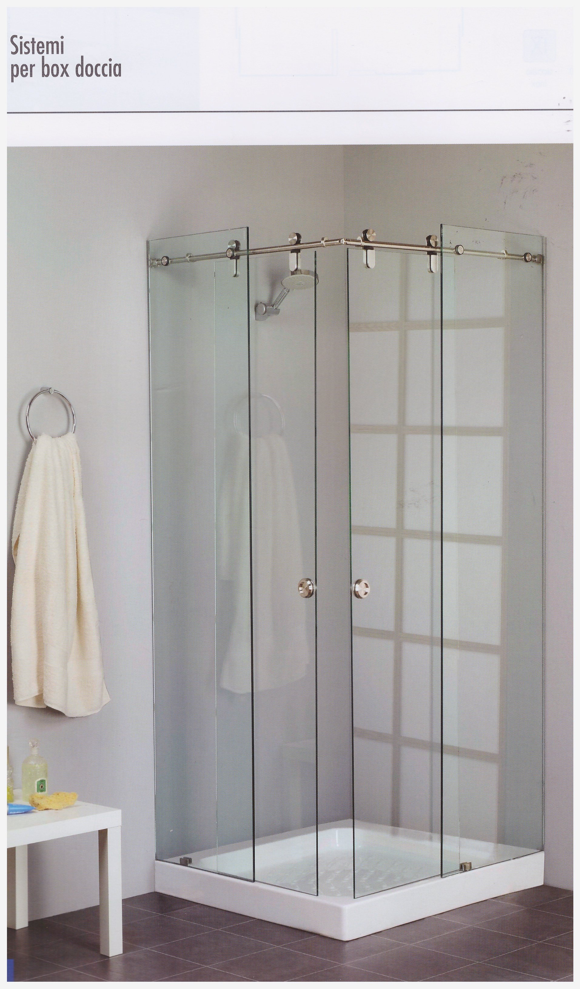 cabina doccia con angolo