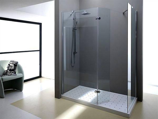 doccia con cabina