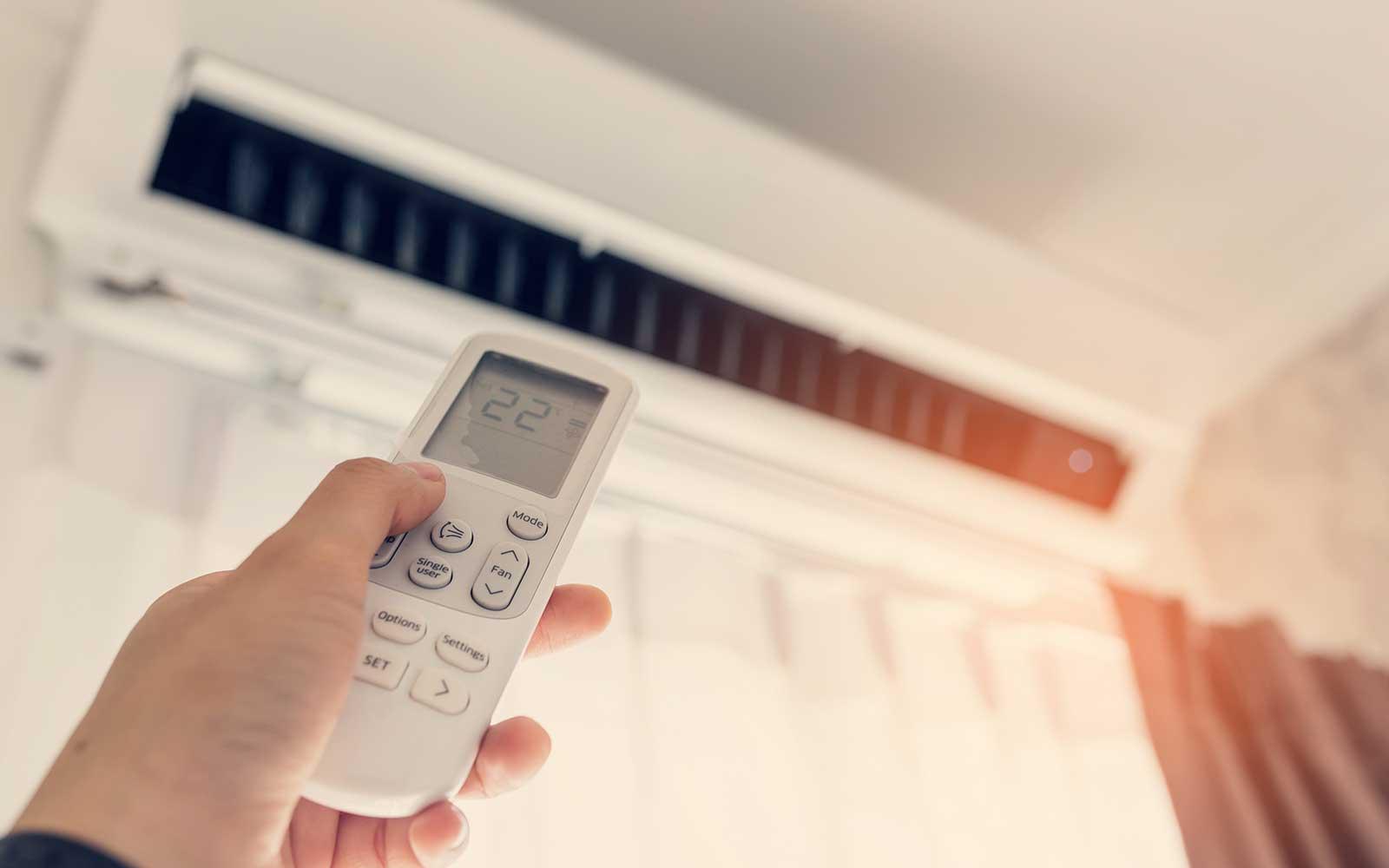 Regolando la temperatura dell'aria condizionata