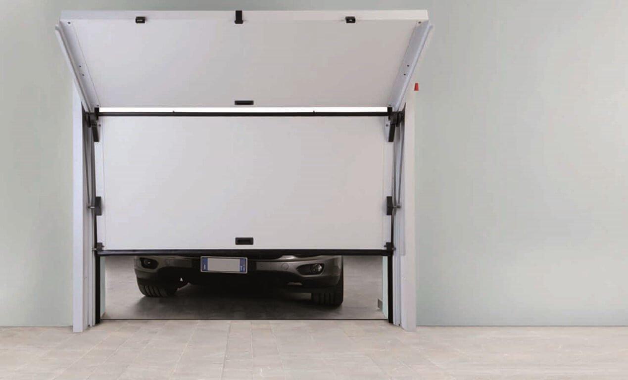 Cancello scorrevole di garage