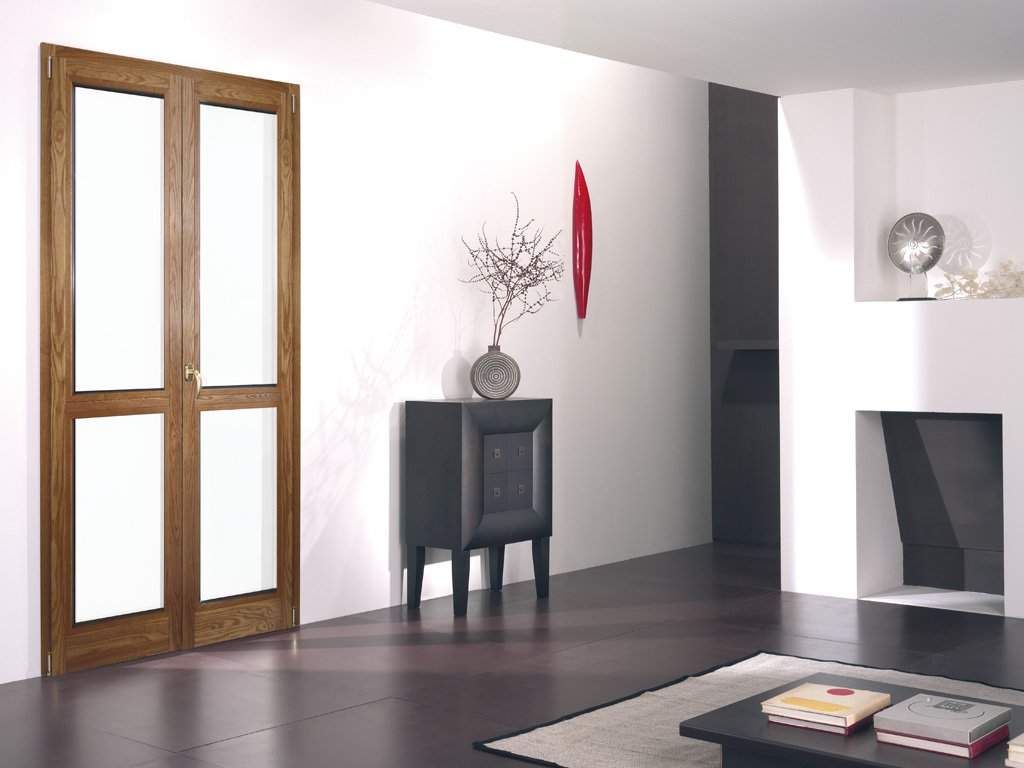 Sezione serramento in legno-alluminio