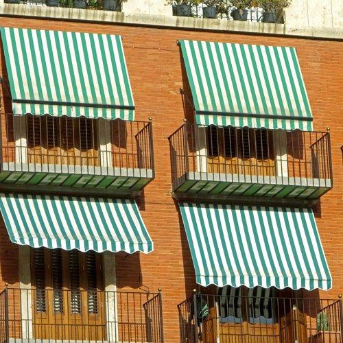4 tende da sole a strisce bianche e verdi