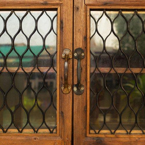 Cancelletto estendibile in legno per finestra