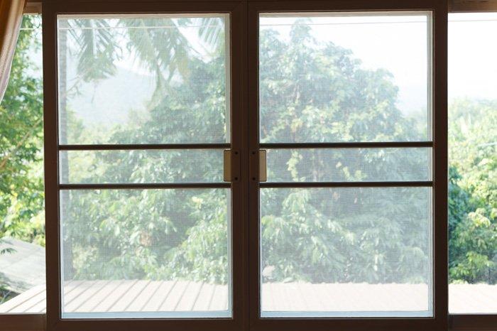 Zanzariera su ampio balcone