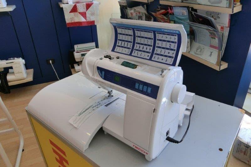 Macchine per cucire Necchi