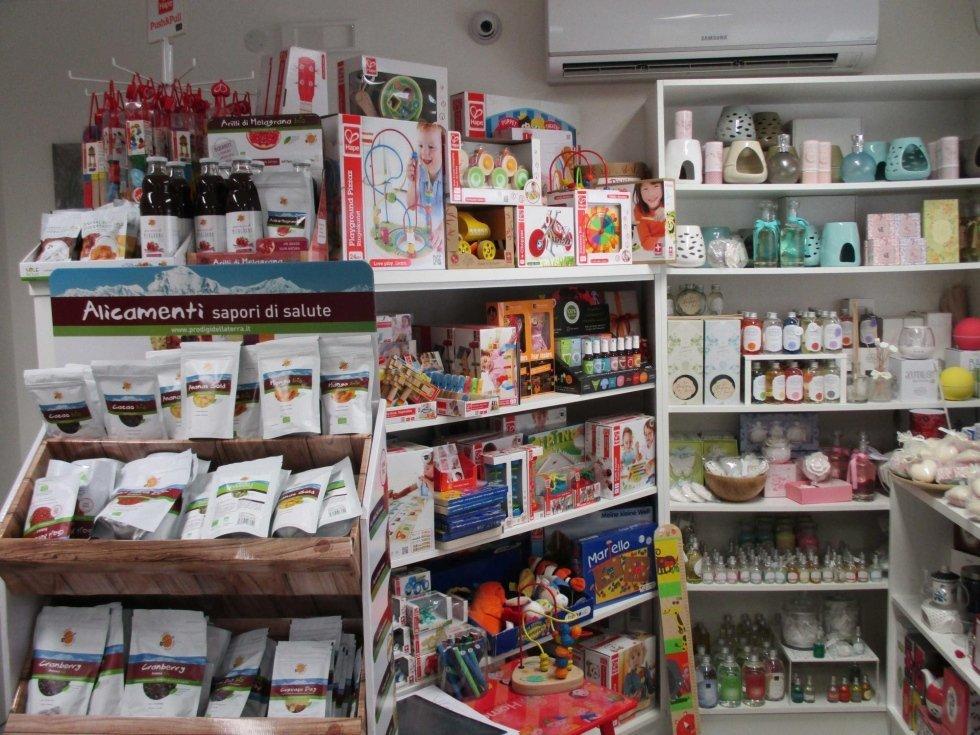 prodotti per alimentazione in una farmacia