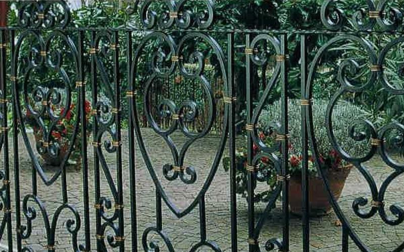 balcone inn ferro battuto