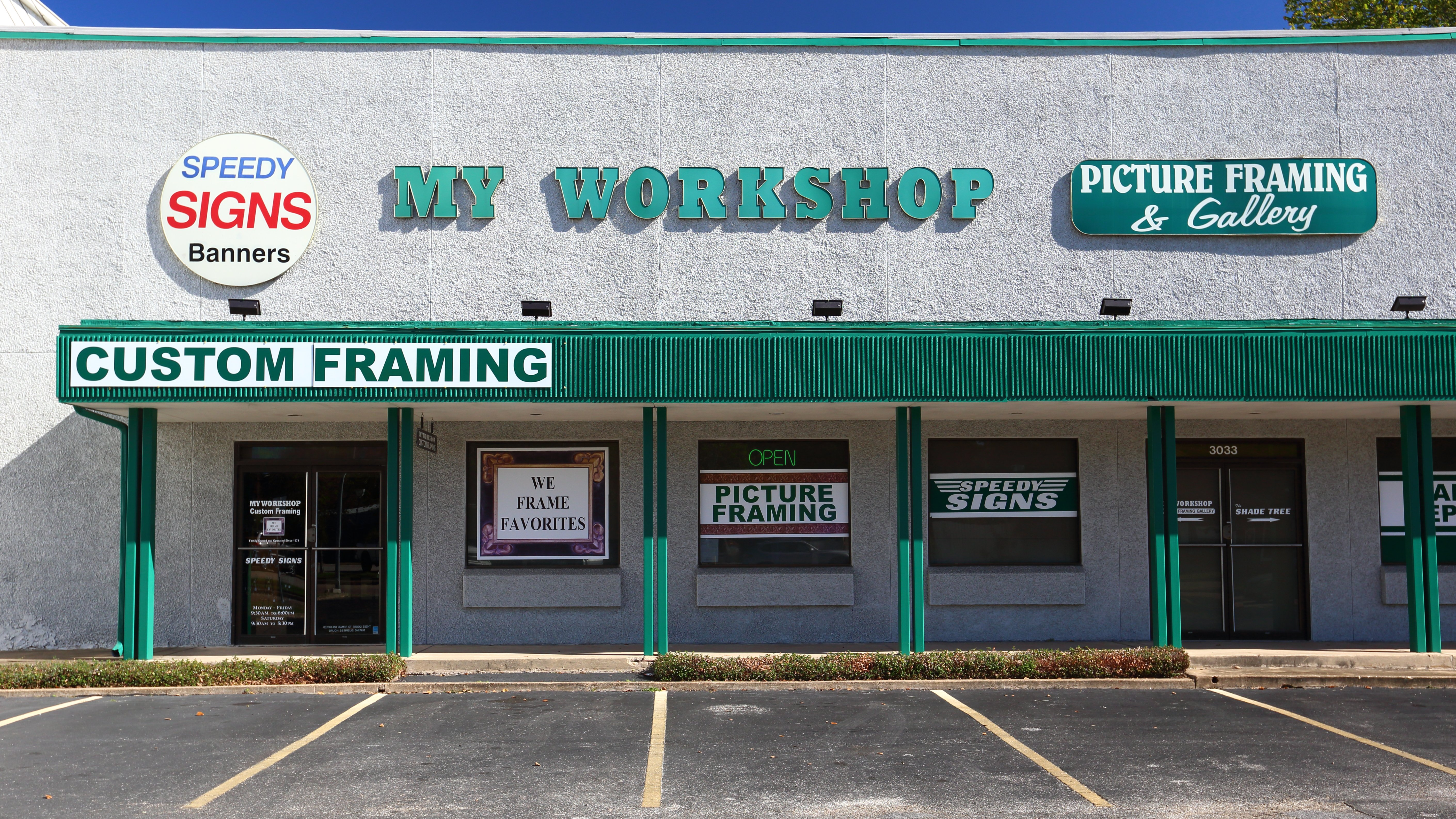 custom banners & picture framing Houston. TX