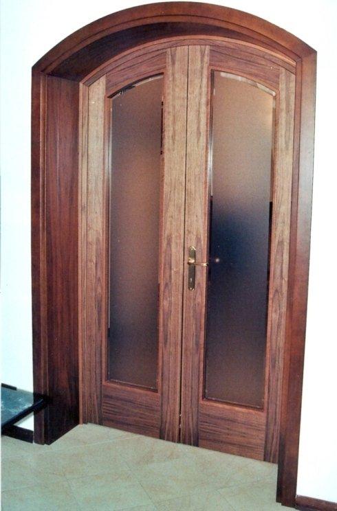 Porta interna ad arco ribassato