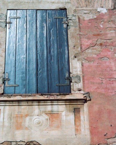 Restauro di finestra oscurante